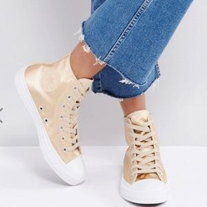 Converse Chuck Taylor High Sneakers In Gold Satin